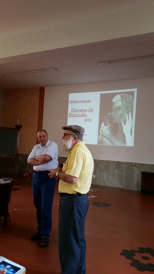 Clero de Botucatu está reunido em Encontro de Atualização