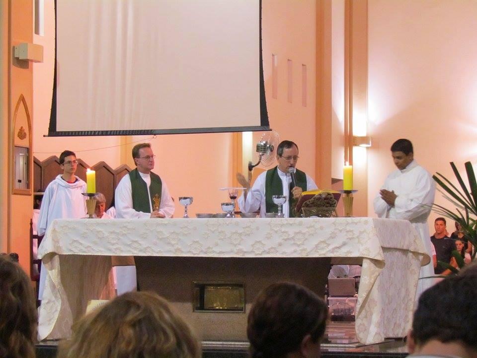 Catedral encerrou mês das Missões com a presença do Instituto Missões Consolata