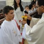Crianças receberam a 1ª Eucaristia no Santuário de Aparecida de São Manuel