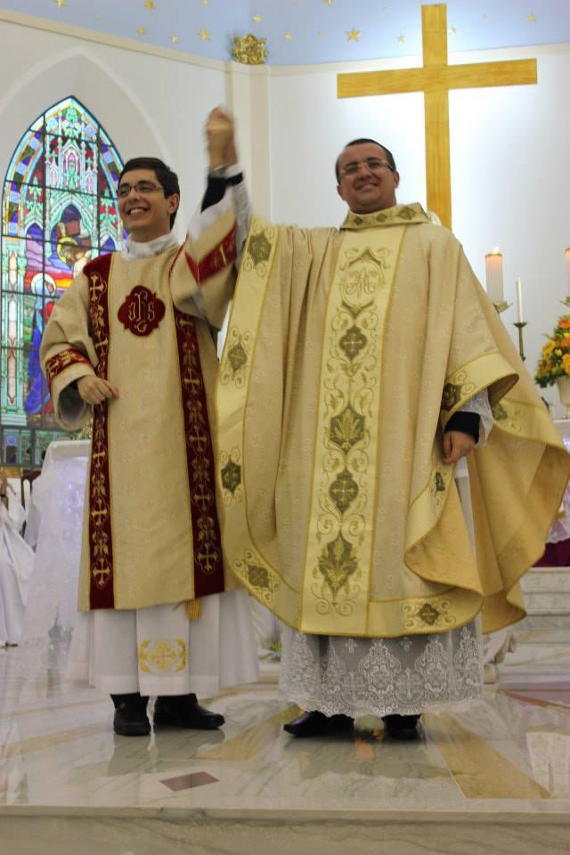 Neo-Presbíteros: Pe. Edélcio e Pe. Paulo foram Ordenados no último final de semana