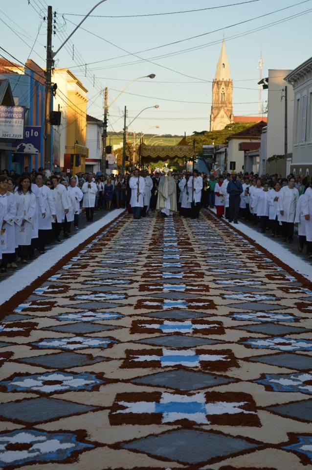 Corpus Christi reuniu milhares de fiéis em São Manuel