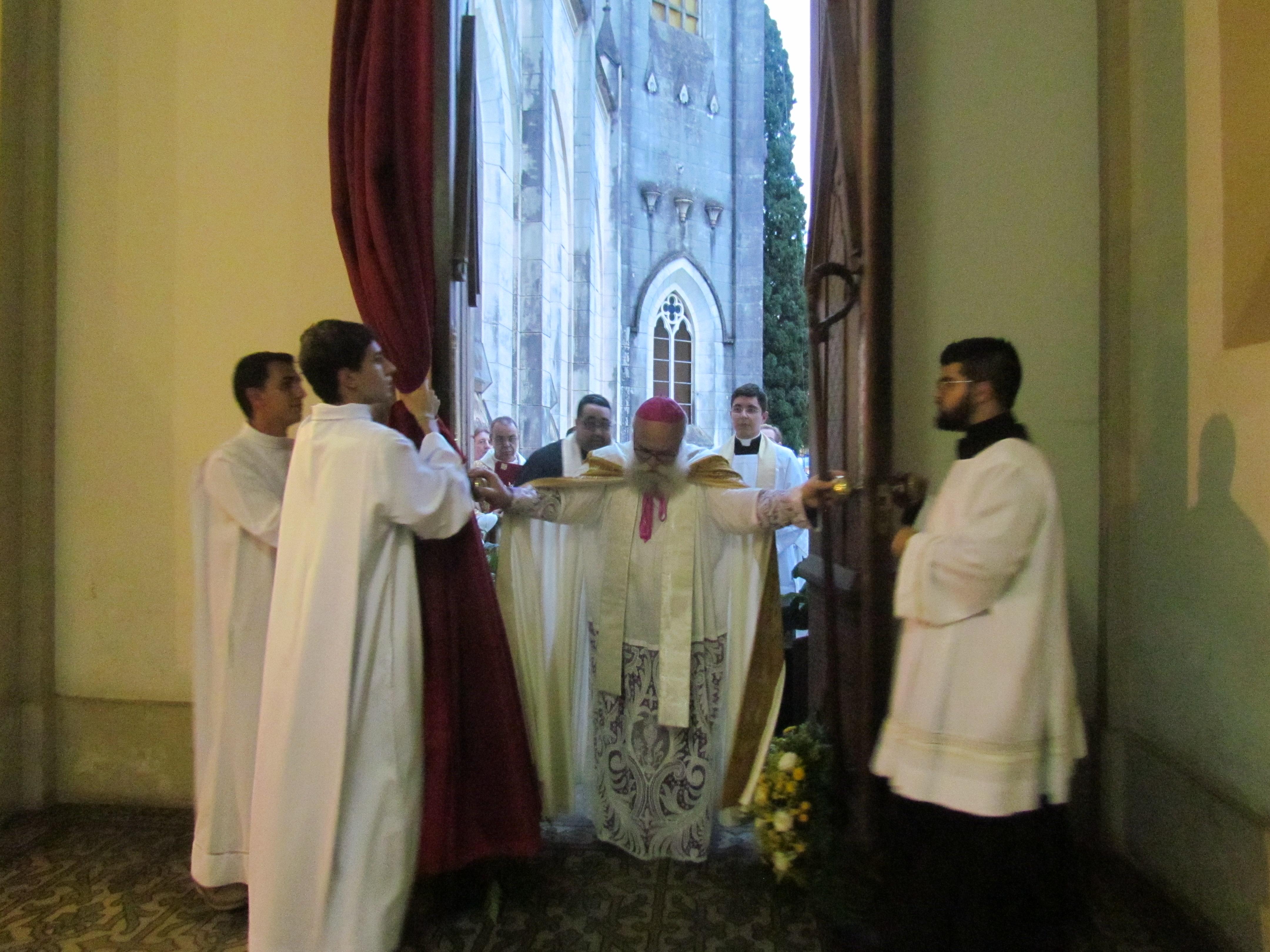 Porta Santa na Catedral Dom Maurício