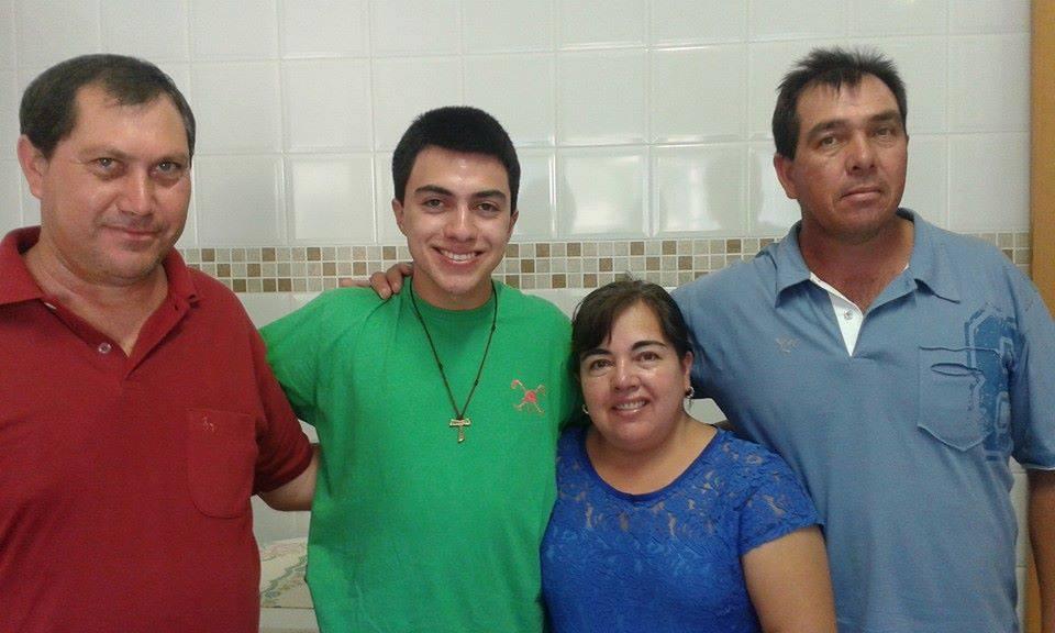 Renato junto a sua família.