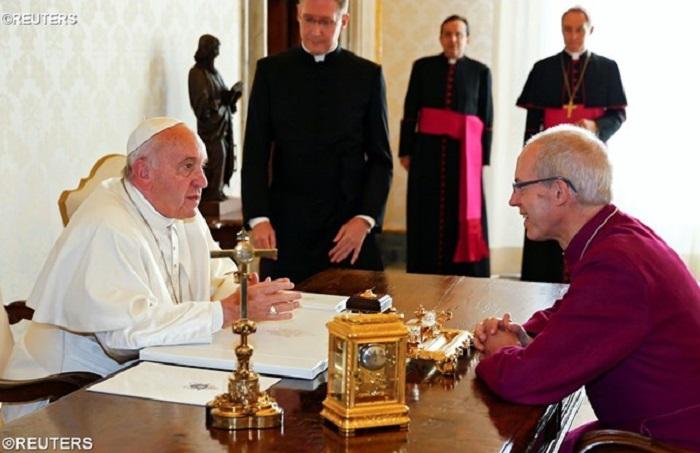 Ecumenismo é uma riqueza, diz Papa em encontro com Welby