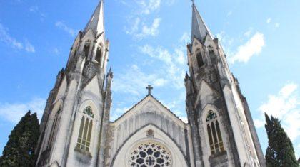 Quarta-feira Santa é marcada por Missa dos Santos Óleos na Catedral