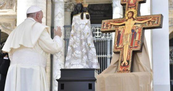 """Papa exorta jovens a serem protagonistas no bem, """"não basta não fazer o mal"""""""