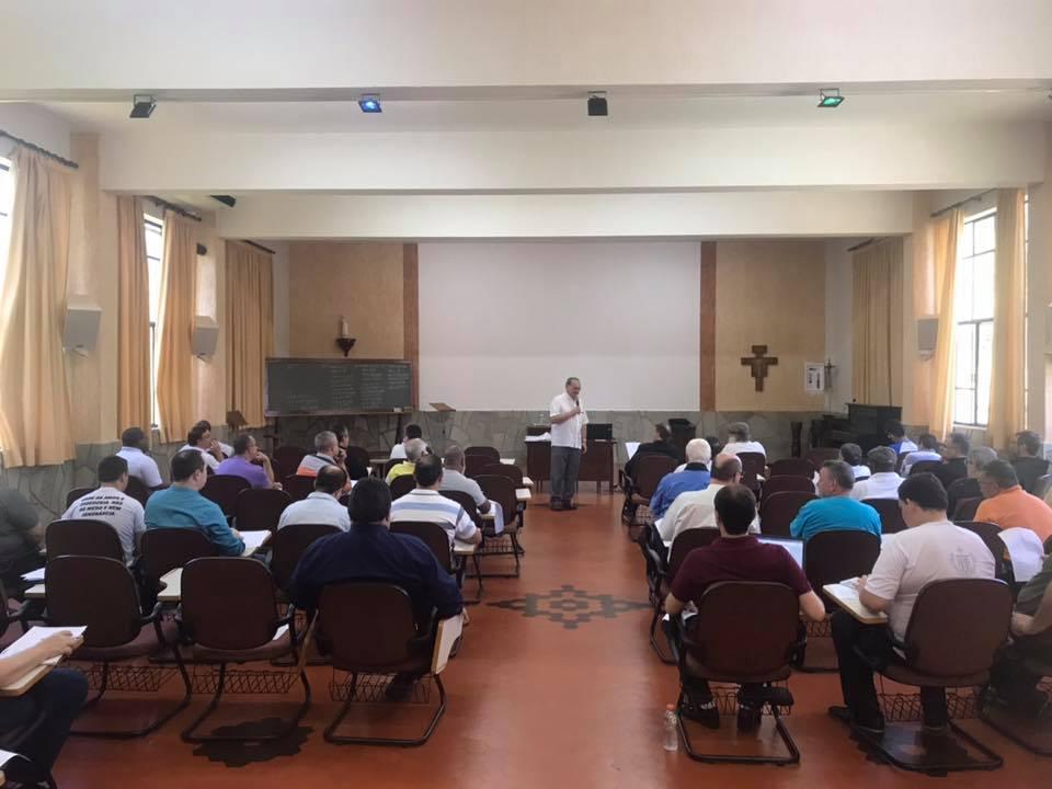 Curso de Atualização do Clero acontece em Agudos.