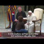 Papa e o menino argentino: livres diante de Deus como as crianças