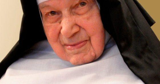 Freira que salvou judeus na II Guerra Mundial morre aos 110 anos