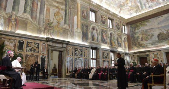 Papa: história pode e deve ensinar ao mundo sedento de verdade, paz e justiça