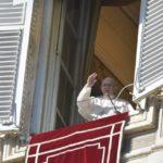 Papa no Angelus: como os Magos, deixemo-nos iluminar pela luz de Jesus