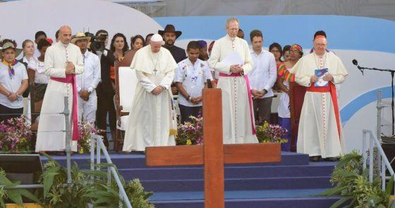Papa: Via-Sacra de Jesus prolonga-se nos jovens absorvidos numa espiral de morte