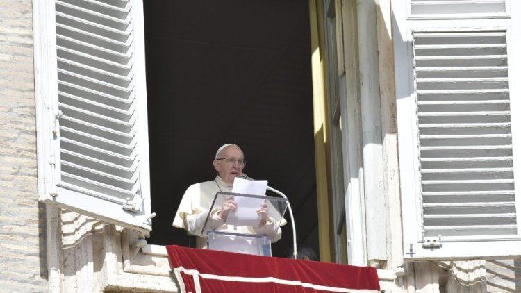 No Angelus, o apelo do Papa em favor do Iêmen: rezemos pelas crianças