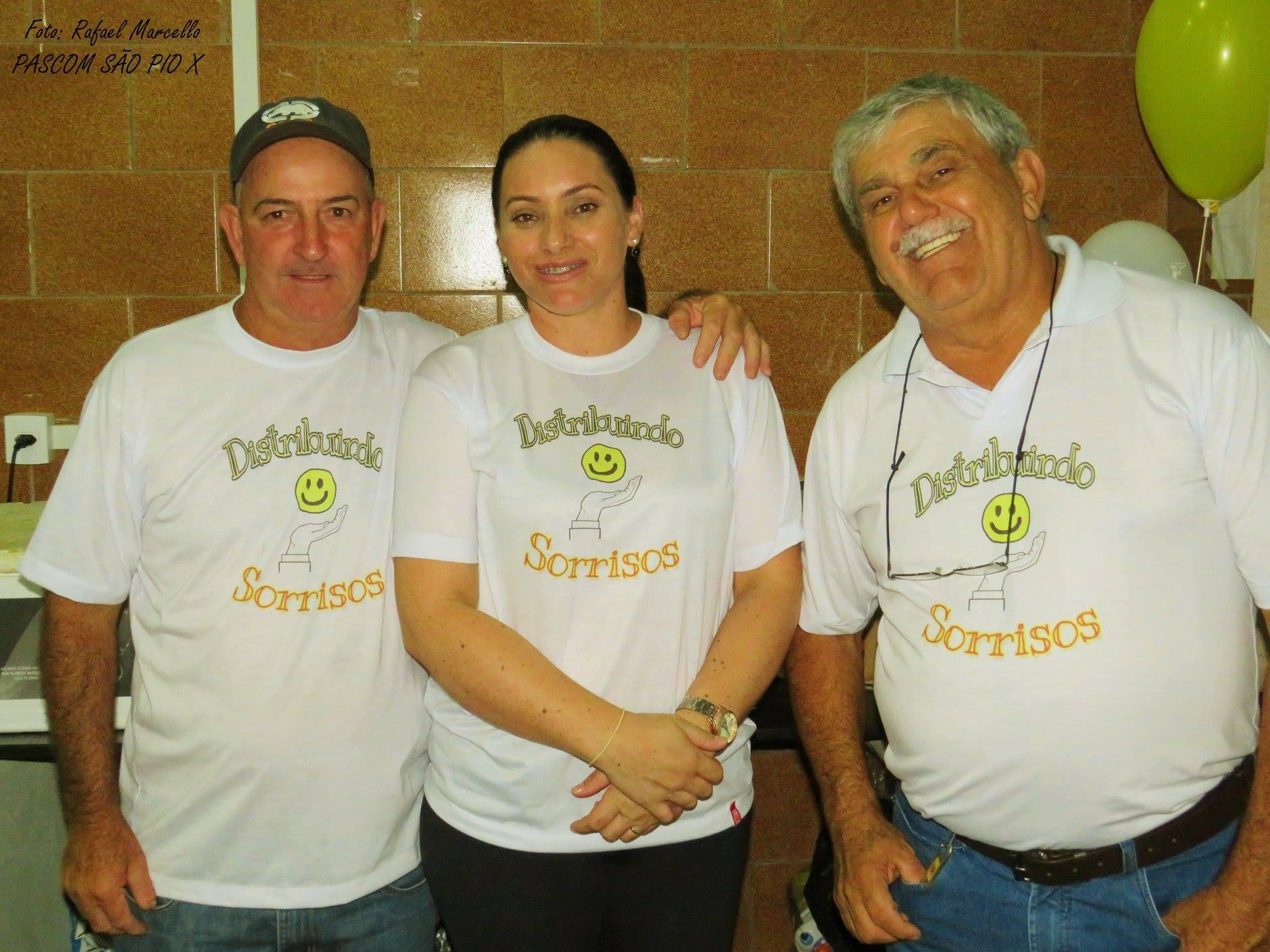 Paróquia São Pio X - Distribuindo Sorrisos - Show de Prêmios