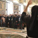 """""""Deus se sente com a fé, não com os ouvidos"""": Papa recebe associações de surdos"""