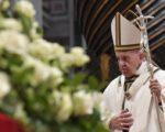 Papa aos sacerdotes: quem aprende a ungir e a abençoar fica curado da mesquinhez