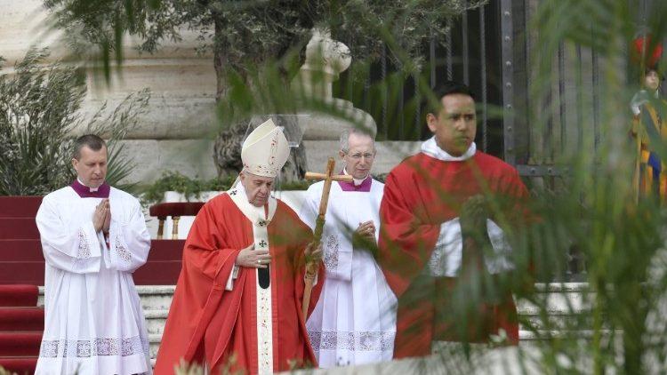 Íntegra da homilia do Papa na missa de Domingo de Ramos