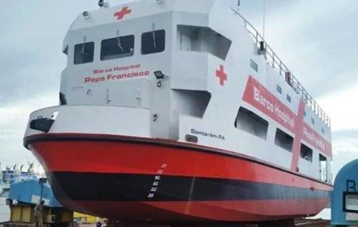 Com as bênçãos de N. S. de Nazaré Dom Alberto Taveira inaugura Barco Hospital Papa Francisco