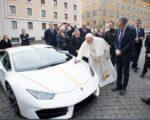 Instituições no Haiti serão beneficiadas com leilão de carro de luxo doado ao Papa