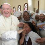 Papa às monjas: façam pequenos gestos de amor para cativar Deus