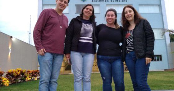 Colaboradores da Arquidiocese realizam treinamento na sede da THEOS