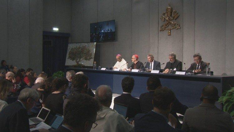 Sínodo, coletiva de imprensa: A Amazônia está no coração da Igreja