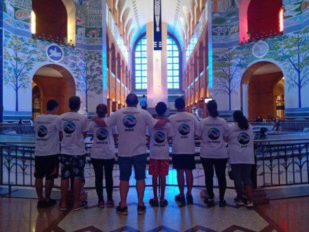 Demonstração de Fé: Grupo de Cerqueira César caminhou até o Santuário Nacional de Aparecida