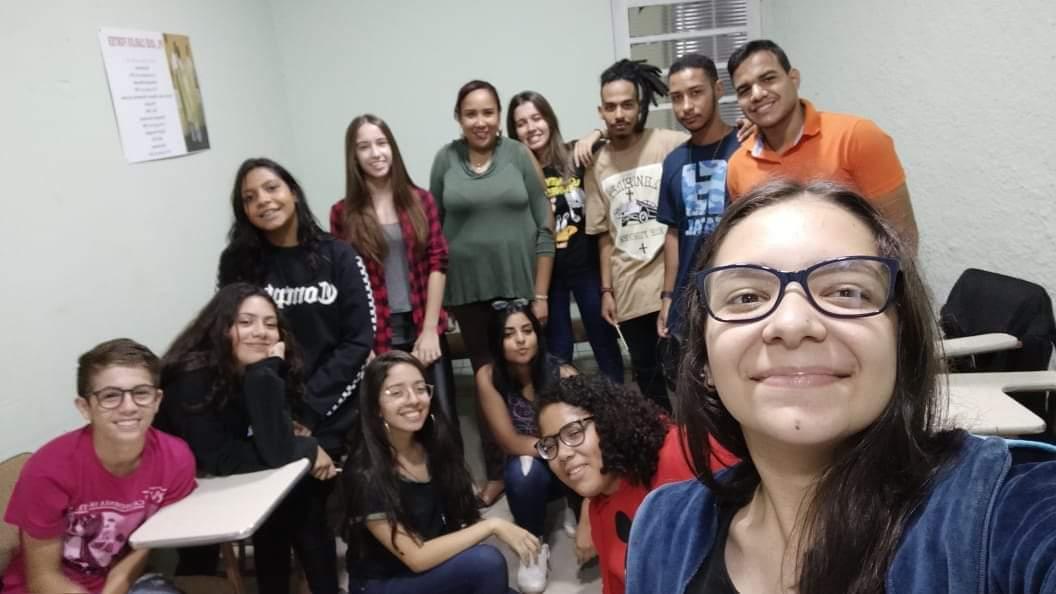 """Grupo de jovens """"Restaurados em Cristo"""" realizou reunião."""