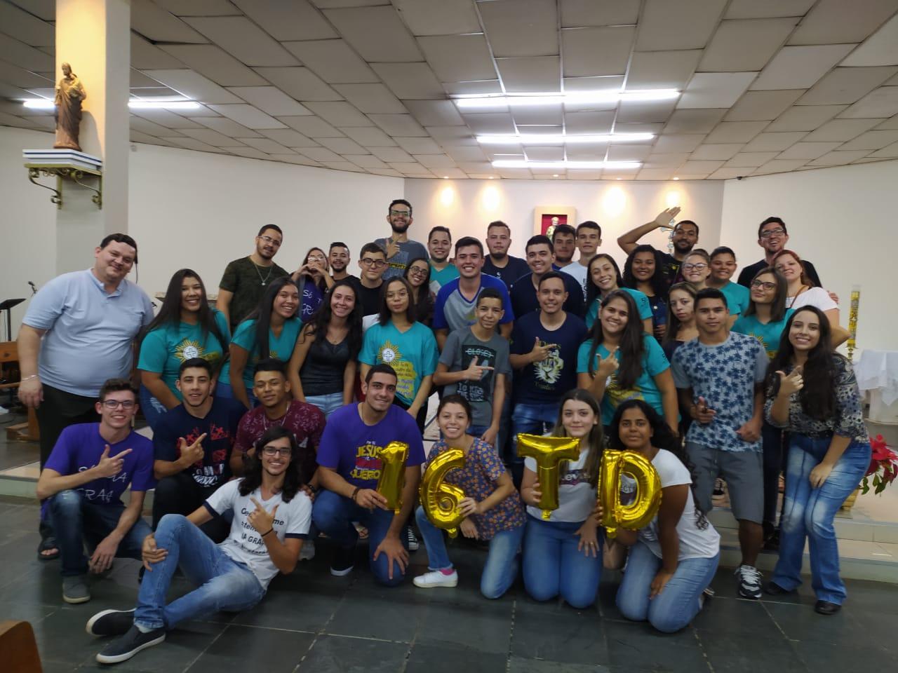 Comunidade de jovens Deus Trindade de Avaré comemorou seus 16 anos.