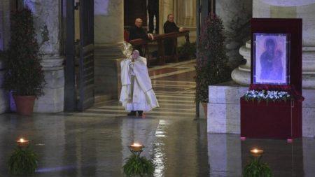 Carta do Papa Francisco a todos os fiéis para o mês de maio