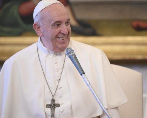 O Papa na Audiência Geral: rezar é o mistério mais íntimo de nós mesmos