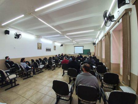 Padres da Região Pastoral de Botucatu se reuniram para estudar possibilidade de flexibilização