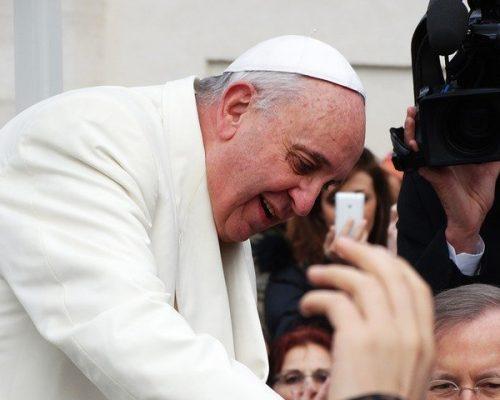 """""""Um hino à vida que está por vir"""": o Papa à Comunidade São Raimundo Nonato"""