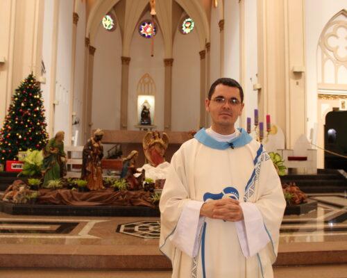 Pe. Everton saúda os telecistas da Arquidiocese por ocasião da abertura do Ano Jubilar