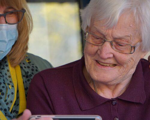 """""""Eu estou contigo todos os dias"""": tema do I Dia Mundial dos Avós"""