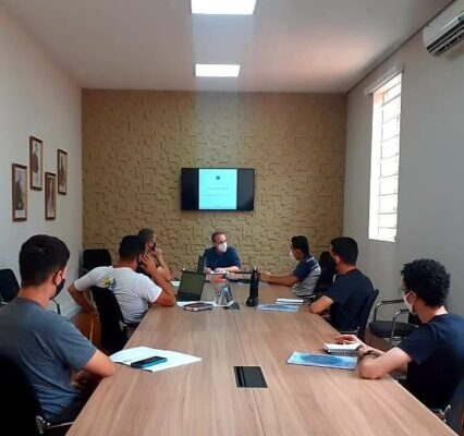 Seminaristas participam de formação administrativa