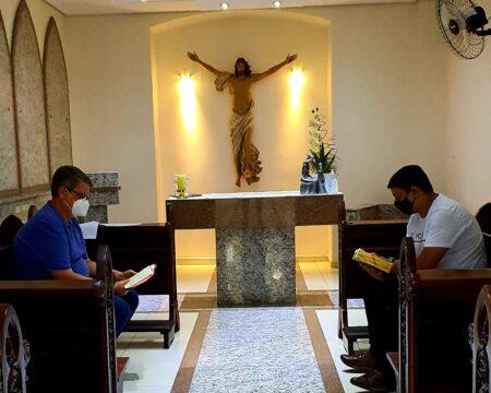 Seminarista Marco Raphael inicia retiro espiritual