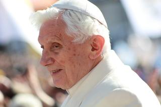 Papa Francisco recorda os 70 anos de Sacerdócio de Bento XVI