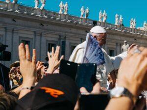 Papa Francisco: com Amoris Laetitia em mãos, famílias e pastores se unem em prol da conversão missionária
