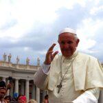 Papa na audiência geral: crer em Jesus Cristo nos conduz à verdadeira vida