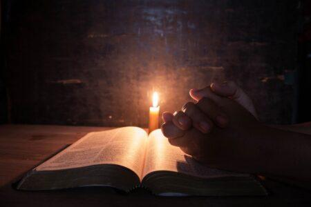 Bíblia: Deus que se comunica, luz para os povos e experiência atualizada.
